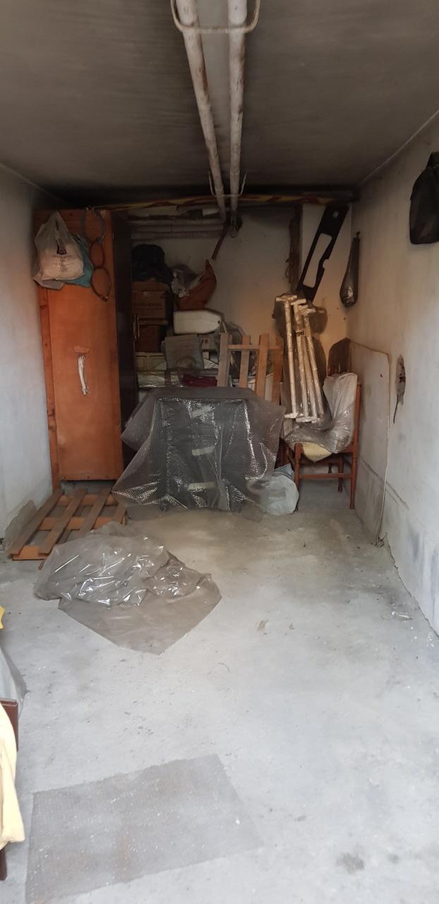 cerca Scandicci  Centro GARAGE VENDITA